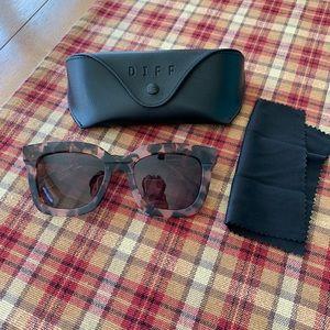DIFF brand tortoise shell sunglasses